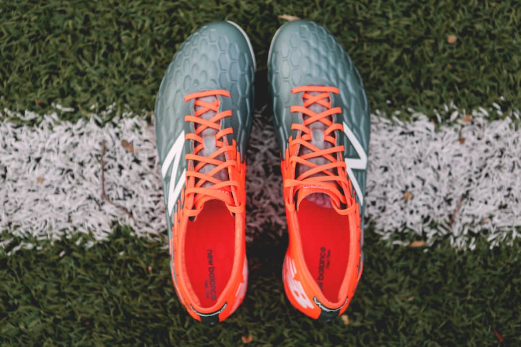http://www.footpack.fr/wp-content/uploads/2017/02/chaussures-football-New-Balance-Visaro-2-Typhon-img2-1050x700.jpg