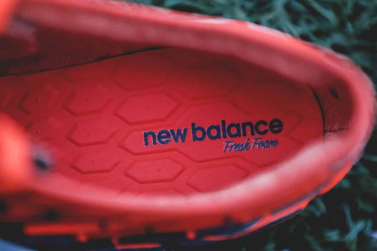 chaussures-football-New-Balance-Visaro-2-Typhon-img6