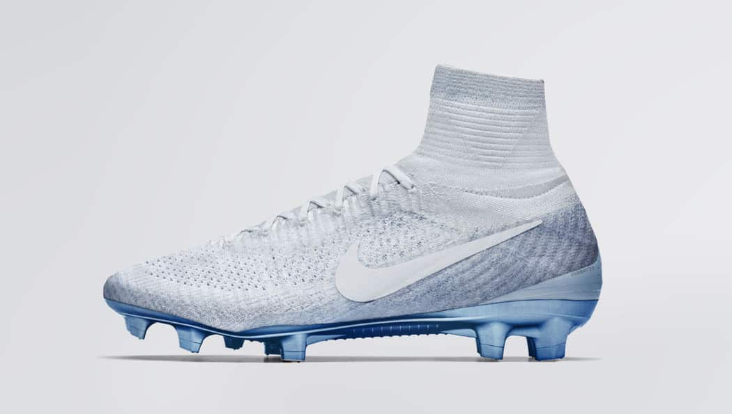 http://www.footpack.fr/wp-content/uploads/2017/02/chaussures-football-Nike-mercurial-superfly-vapormax-blanc-1050x595.jpeg