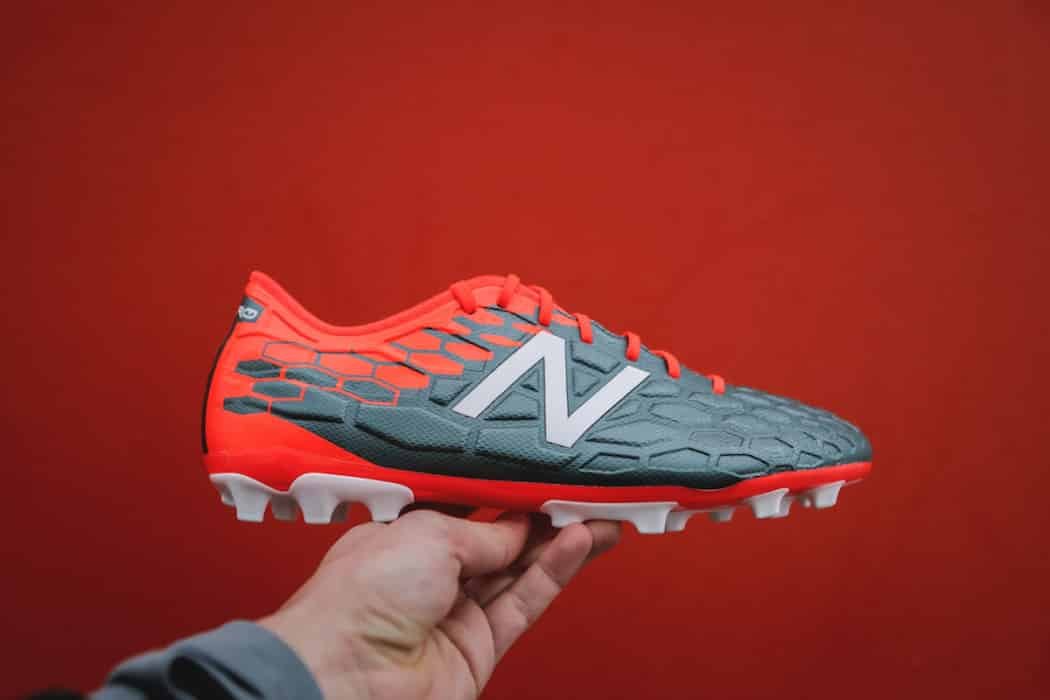 http://www.footpack.fr/wp-content/uploads/2017/02/chaussures-football-new-balance-visaro-2-img16-1050x700.jpg