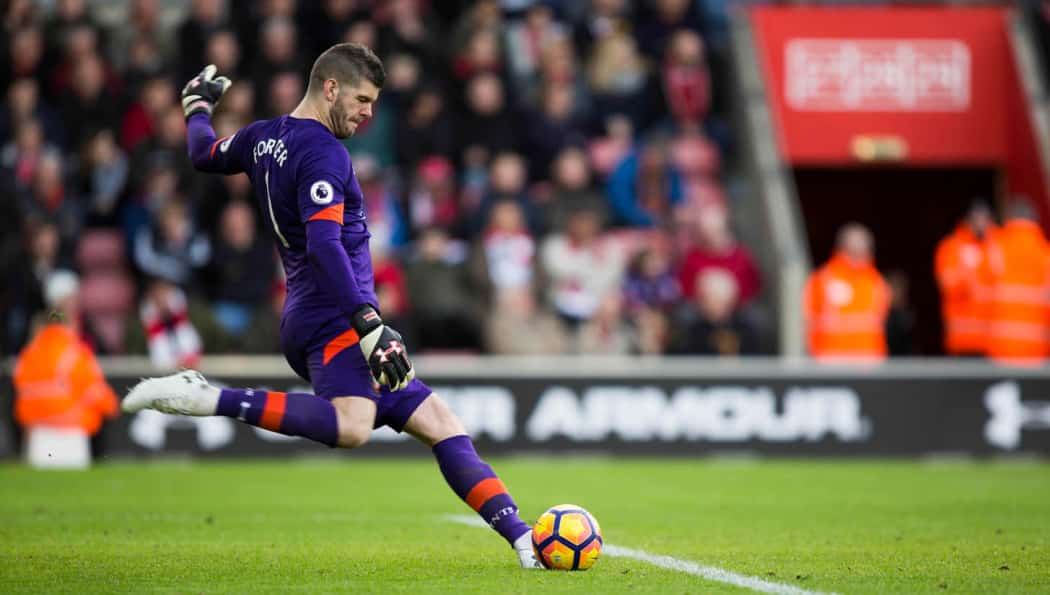 http://www.footpack.fr/wp-content/uploads/2017/02/chaussures-football-under-armour-clutchfit-force-3-fraser-forster-img2-1050x595.jpeg