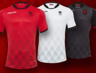 Macron dévoile les maillots 2017 de l'Albanie