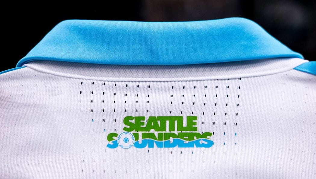 http://www.footpack.fr/wp-content/uploads/2017/02/maillot-football-mls-2017-adidas-Seattle-Sounders-img4-1050x595.jpg