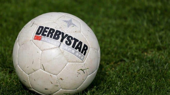 http://www.footpack.fr/wp-content/uploads/2017/04/ballon-officiel-bundesliga-derbystar-annonce.jpeg