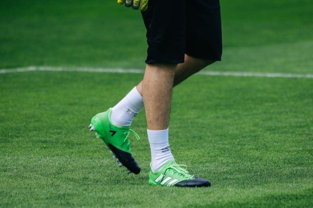 chaussure-foot-adidas-ACE16-turbocharge-min