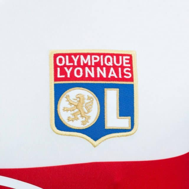 adidas presentó las nuevas camisetas del Olympyque de Lyon