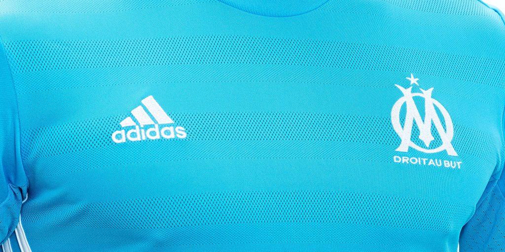 Les maillots de l 39 olympique de marseille pour la saison for Maillot exterieur om 2017