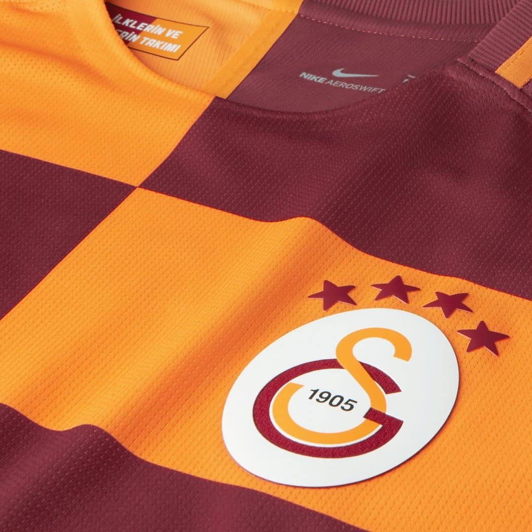 http://www.footpack.fr/wp-content/uploads/2017/05/NIKE-GALATASARAY-2018-2018-Nike-maillot-domicile-3-1050x1050.jpg
