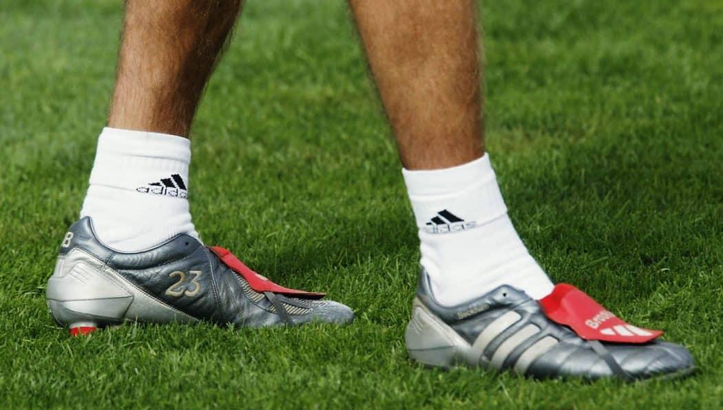 http://www.footpack.fr/wp-content/uploads/2017/05/chaussure-football-adidas-predator-mania-gunmetal-david-beckham-1050x595.jpg