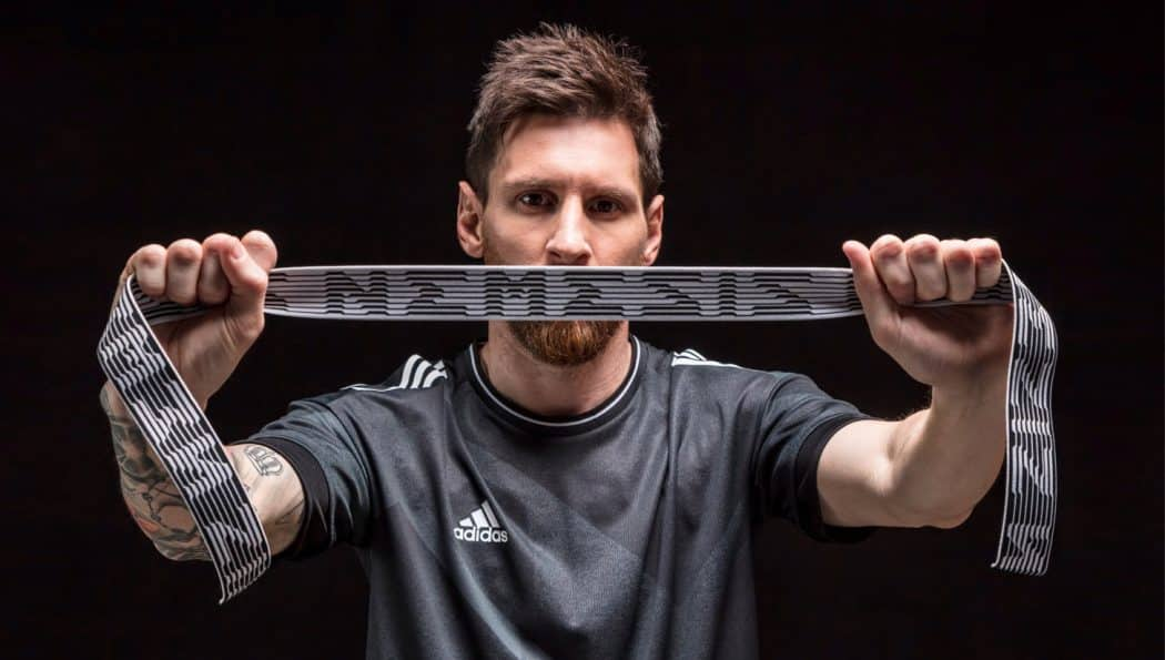 http://www.footpack.fr/wp-content/uploads/2017/05/chaussures-football-adidas-Nemeziz-Lionel-Messi-img1-1050x595.jpg