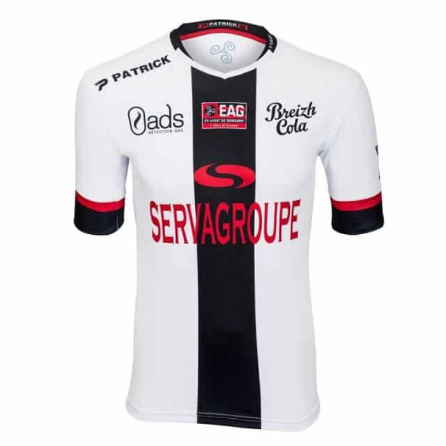 http://www.footpack.fr/wp-content/uploads/2017/05/maillot-exterieur-eag-ea-guingamp-2017-2018-patrick-640x640.jpg