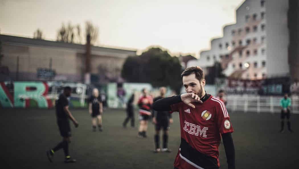 http://www.footpack.fr/wp-content/uploads/2017/05/maillot-football-le-ballon-football-league-river-dubplate-img1-1050x595.jpg