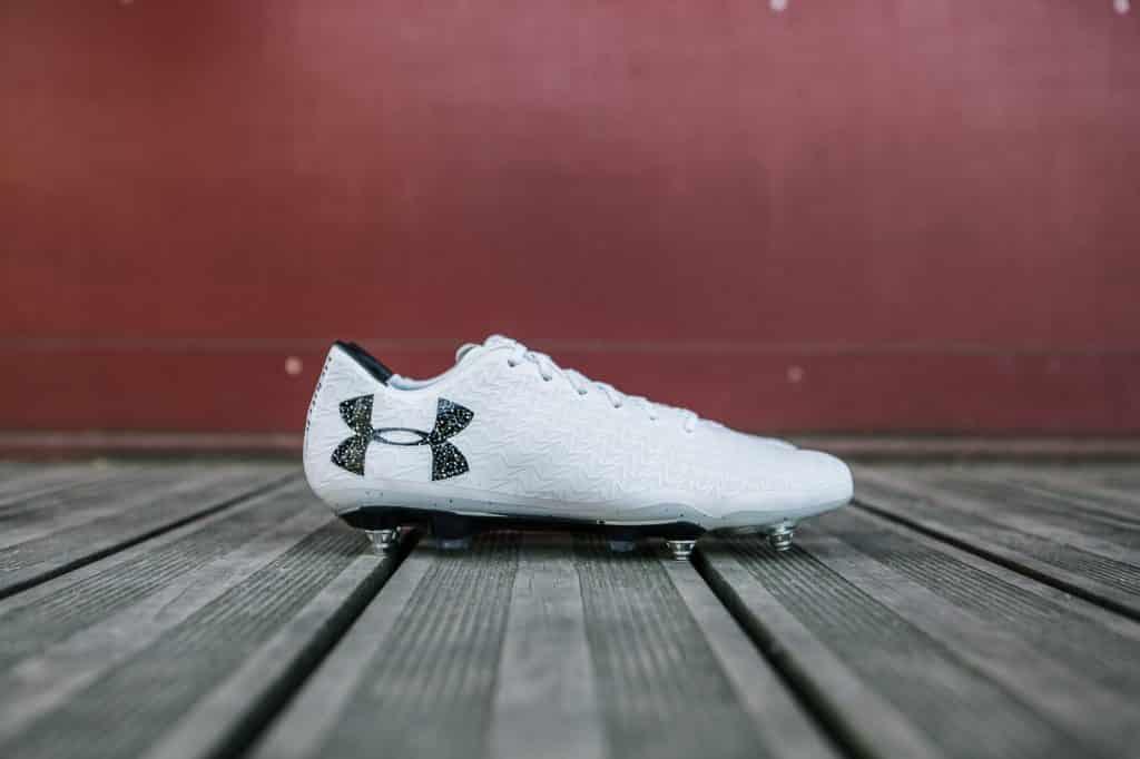 test-chaussure-football-under-armour-clutchfit-3-min