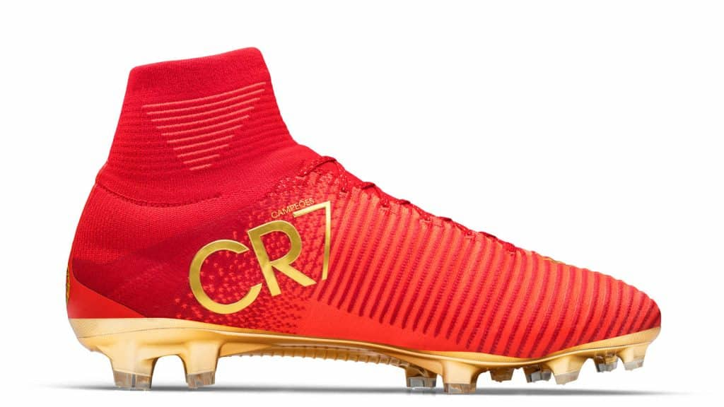 chaussure-footbal-special-portugal-cristiano-ronaldo-cr7-mercurial-campeoes-2017-2