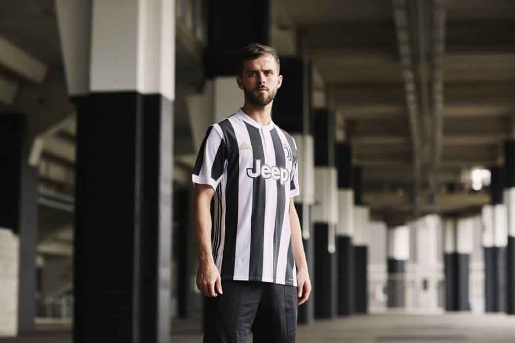 http://www.footpack.fr/wp-content/uploads/2017/06/maillot-football-adidas-juventus-turin-2017-2018-img5-1280x853-1050x700.jpg