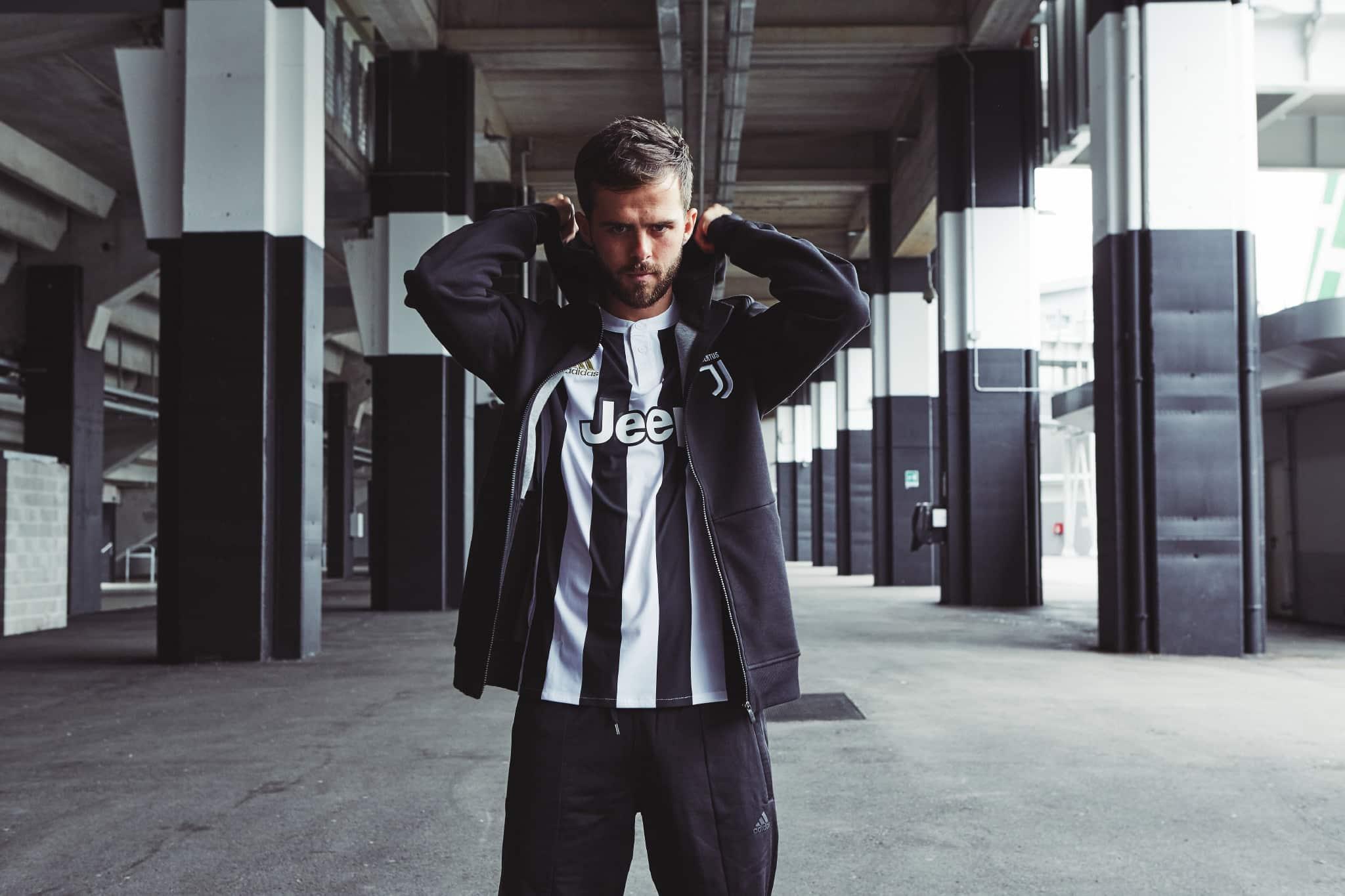 La Juve dévoile son nouveau maillot domicile 2017