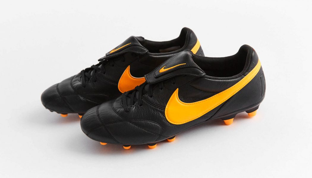 http://www.footpack.fr/wp-content/uploads/2017/07/chaussure-football-Nike-Tiempo-Premier-2-0-noir-orange-img4-1050x602.jpg