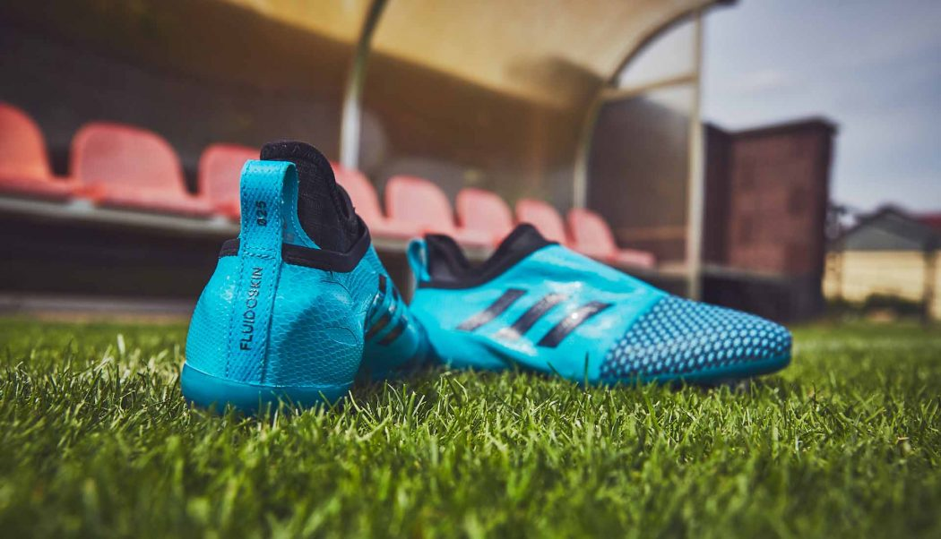 http://www.footpack.fr/wp-content/uploads/2017/08/chaussures-football-adidas-Glitch-17-Fluido-bleu-turquoise-img3-1050x602.jpg
