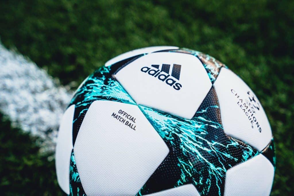 nouveau-ballon-ligue-des-champions-adidas-saison-2017-2018-kiev-ukraine-6