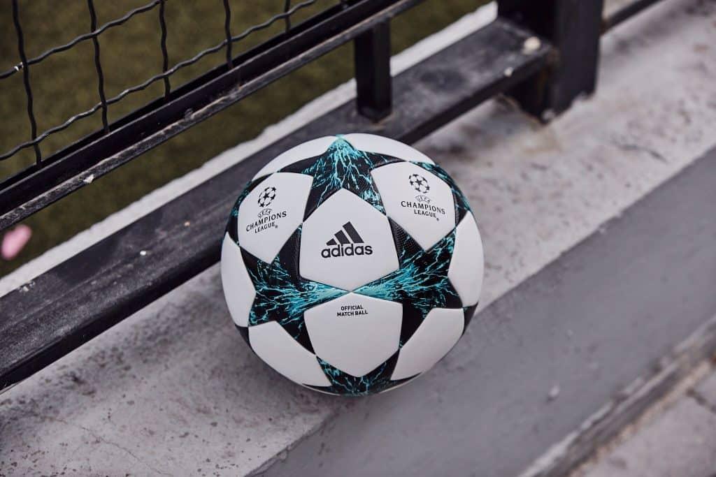 nouveau-ballon-ligue-des-champions-adidas-saison-2017-2018-kiev-ukraine-9