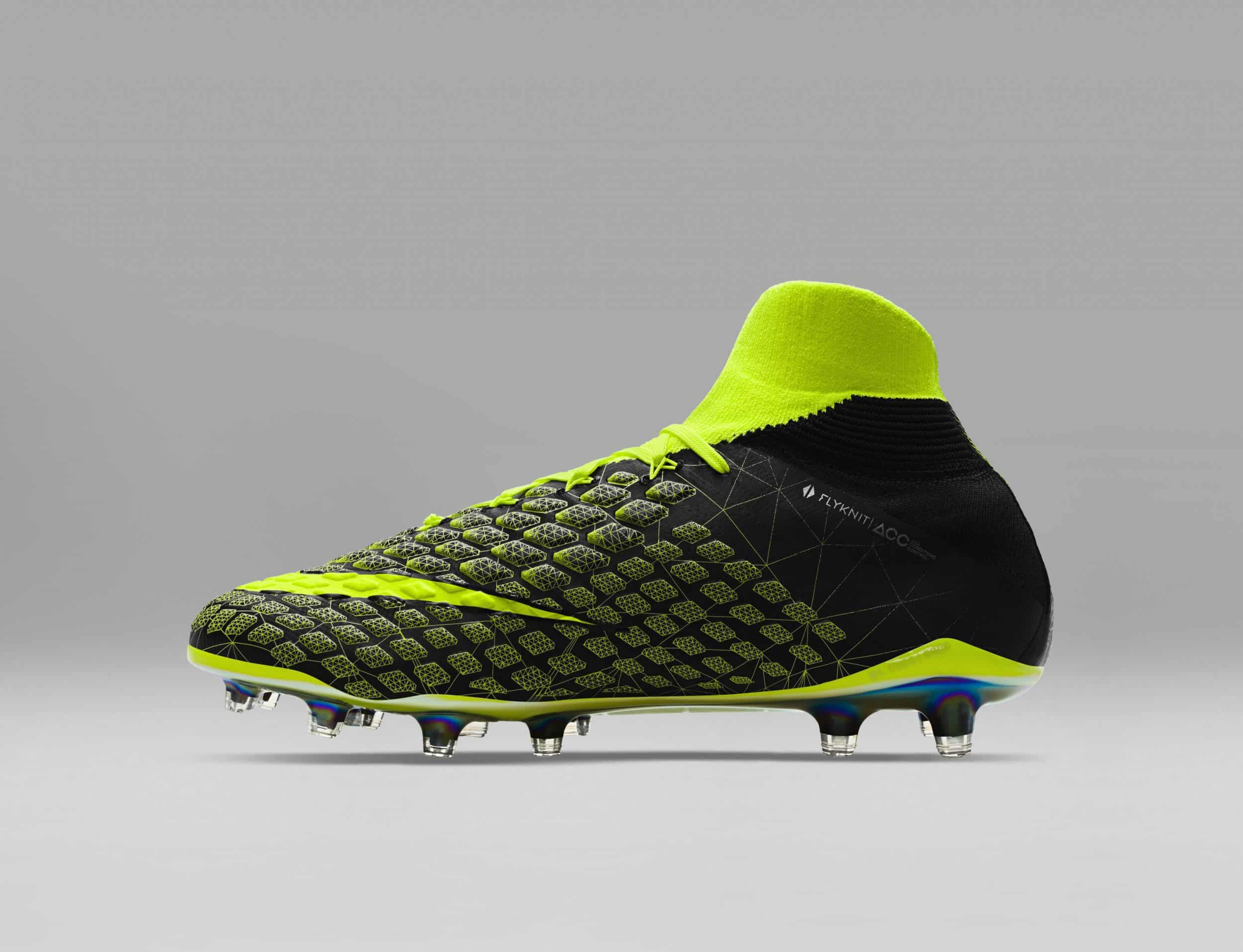 chaussure-football-nike-hypervenom-3-DF-ea-sports-fifa18-cavani-7