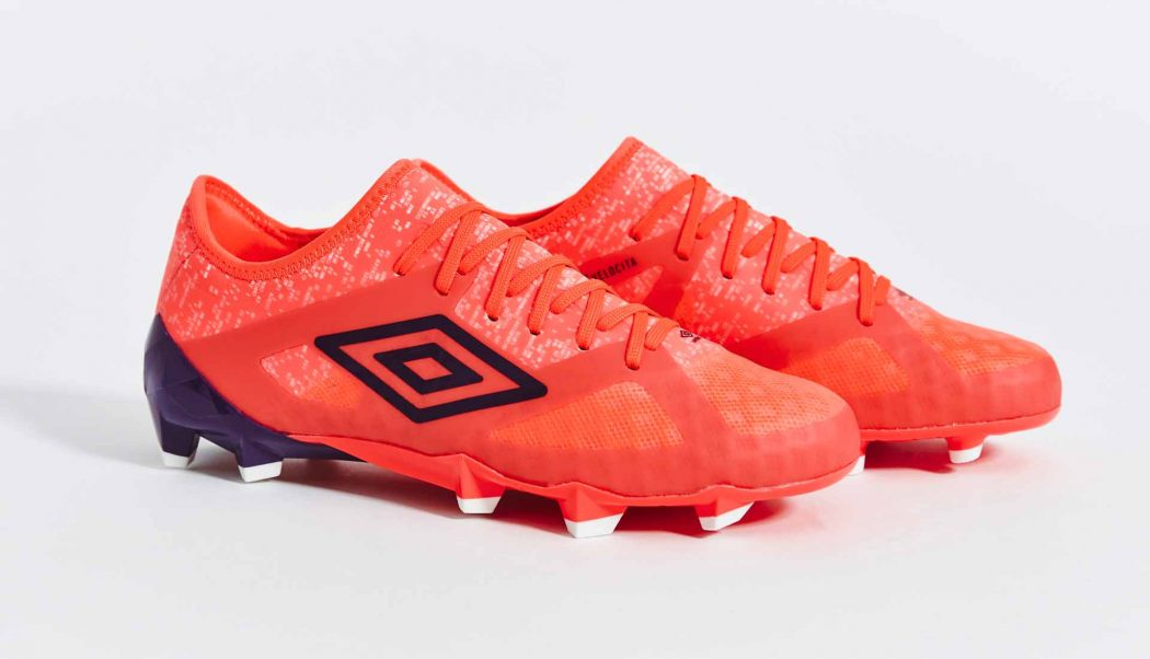 http://www.footpack.fr/wp-content/uploads/2017/09/chaussures-football-umbro-velocita-3-winter-bloom-img5-1050x602.jpg