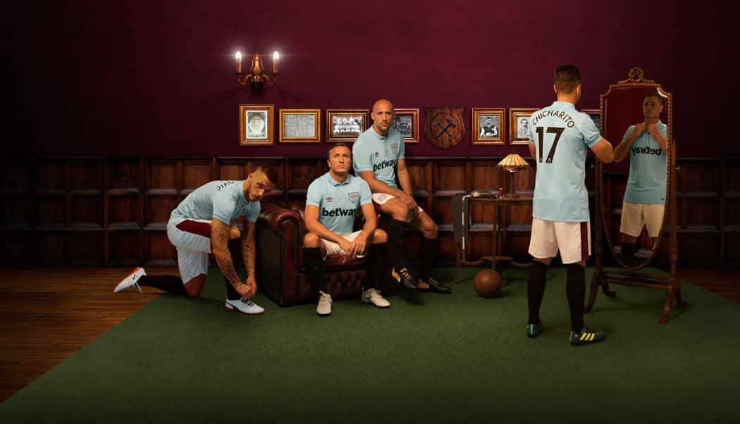 http://www.footpack.fr/wp-content/uploads/2017/09/maillot-football-Umbro-West-Ham-third-img1-1050x602.jpg