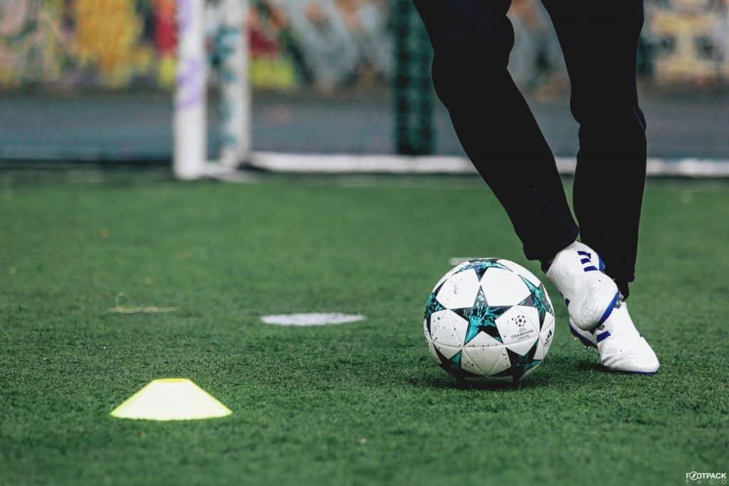 chaussure-adidas-football-lancement-concept-glitch-octobre-2017-min
