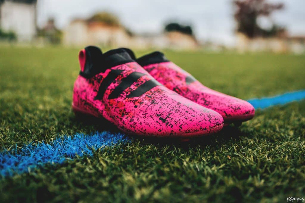 chaussure-football-adidas-glitch-hacked-collection-rose-octobre-2017-2