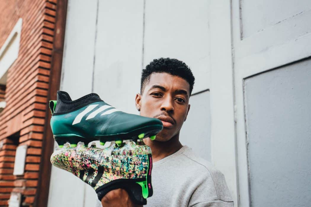 http://www.footpack.fr/wp-content/uploads/2017/10/chaussure-football-adidas-glitch-presnel-kimpembe-psg-2017-2-min-1050x698.jpg