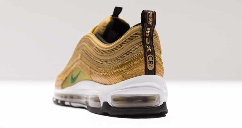 chaussure-sneakers-nike-football-air-max-CR7-1997-3
