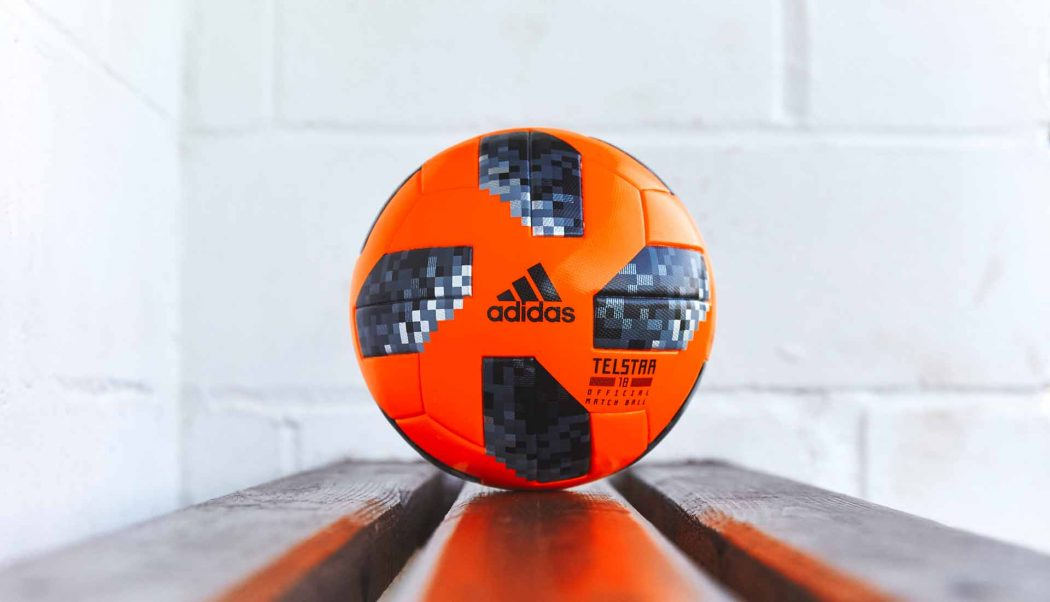 http://www.footpack.fr/wp-content/uploads/2017/11/ballon-foot-adidas-Telstar-18-Winter-img3-1050x602.jpg