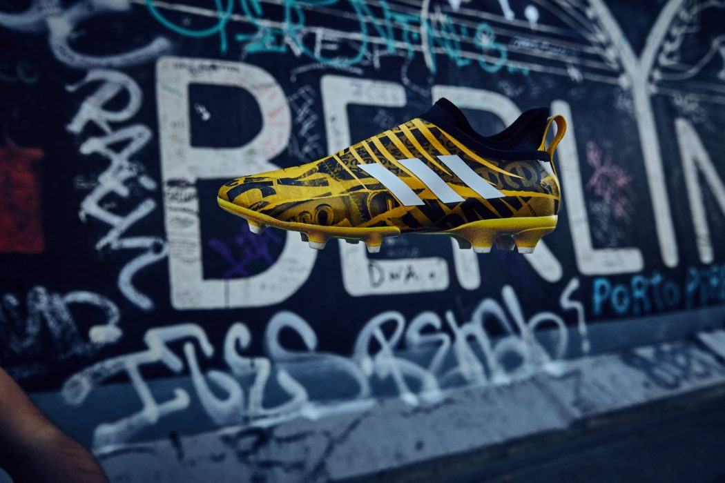 http://www.footpack.fr/wp-content/uploads/2017/12/chaussure-football-adidas-glitch-londres-novembre-2017-3-1050x700.jpg