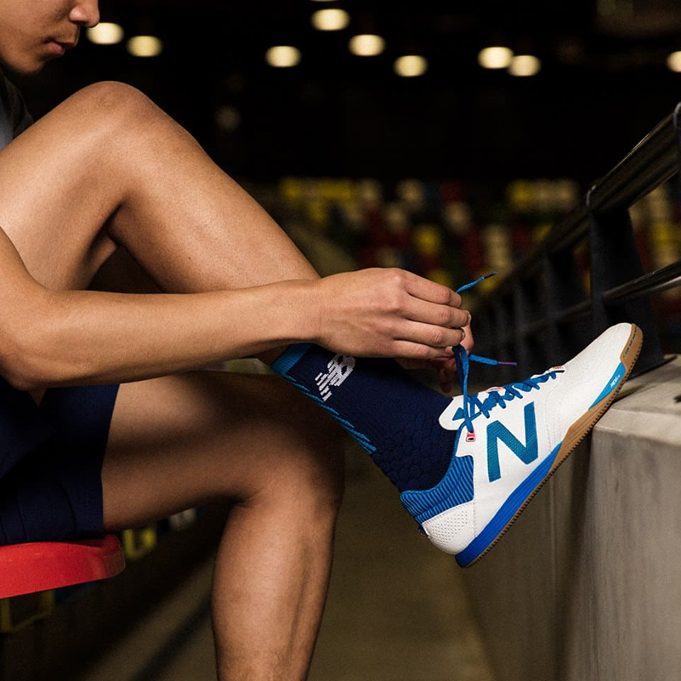 chaussure-football-new-balance-audazo-bleu-blanc-2