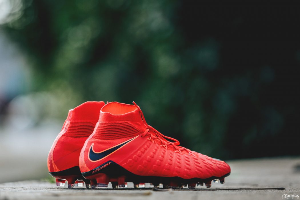http://www.footpack.fr/wp-content/uploads/2017/12/chaussure-nike-football-hypervenom-pack-Fire-top-buteurs-1050x700.jpg