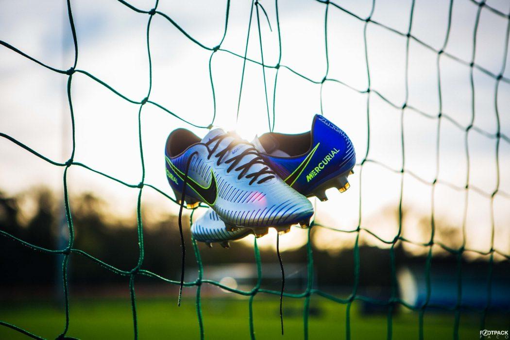 http://www.footpack.fr/wp-content/uploads/2017/12/chaussures-football-Nike-Mercurial-Vapor-XI-Puro-Fenomeno-img6-1050x700.jpg