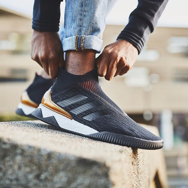 http://www.footpack.fr/wp-content/uploads/2017/12/chaussures-lifestyle-adidas-predator-tango-18-boost-img1.jpg