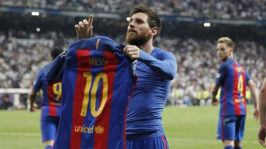http://www.footpack.fr/wp-content/uploads/2017/12/lionel-messi-clasico-classico-real-madrid-barcelone-maillot-1050x591.jpg