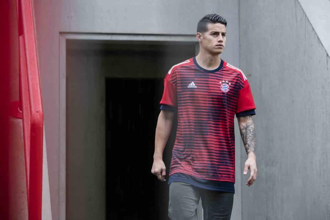 http://www.footpack.fr/wp-content/uploads/2017/12/maillot-football-training-adidas-parley-for-oceans-Bayern-Munich-1050x700.jpg