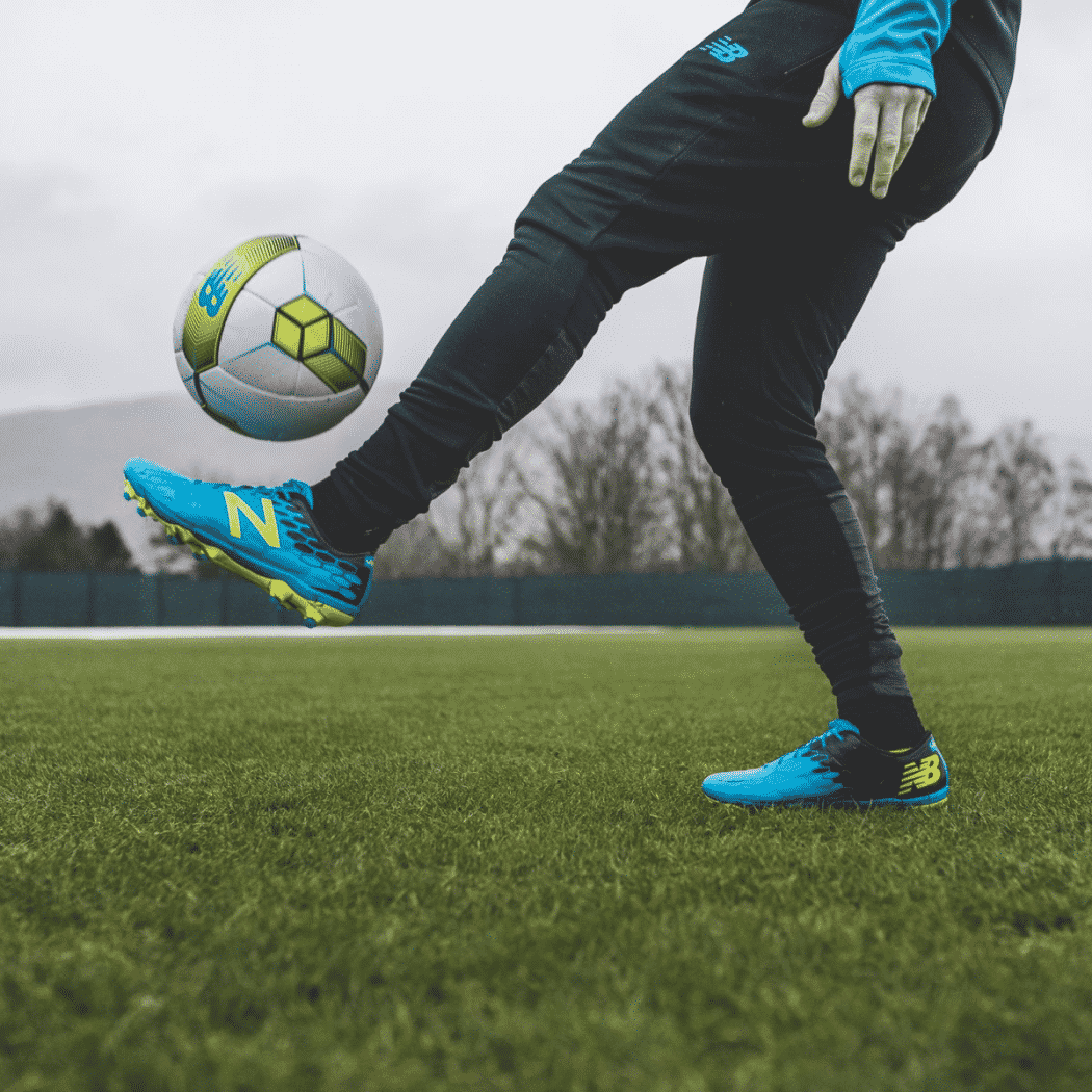http://www.footpack.fr/wp-content/uploads/2018/01/chaussures-football-New-Balance-Visaro-2-Bleu-Turquoise-img2-1050x1050.png