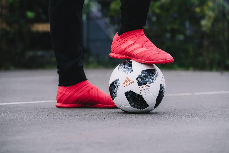 chaussures-football-adidas-Nemeziz-17-Cage-img2