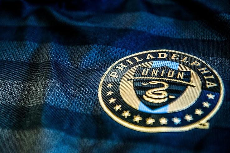 http://www.footpack.fr/wp-content/uploads/2018/02/maillot-philadelphia-union-home-2.jpg