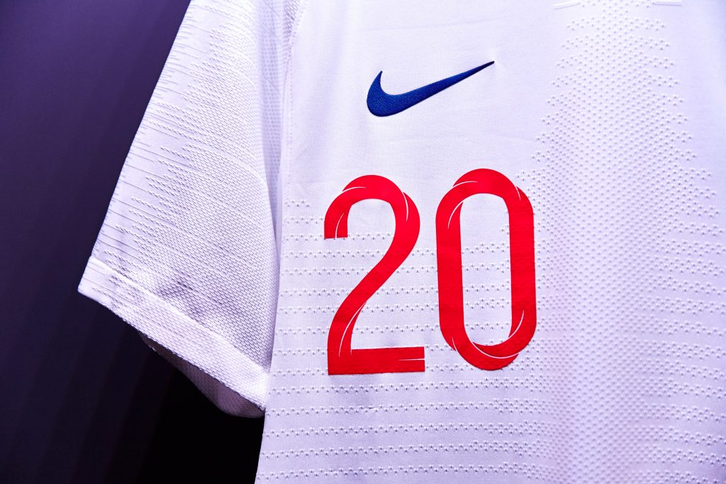 nouveau-maillot-football-nike-angleterre-coupe-du-monde-2018-3