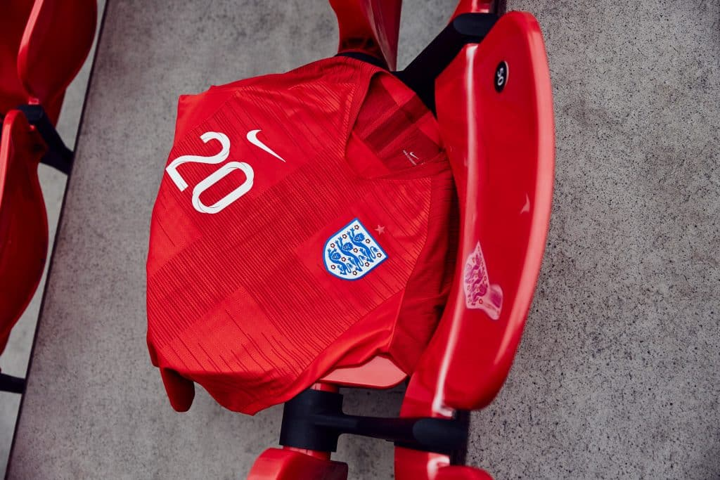 nouveau-maillot-football-nike-angleterre-coupe-du-monde-2018-4