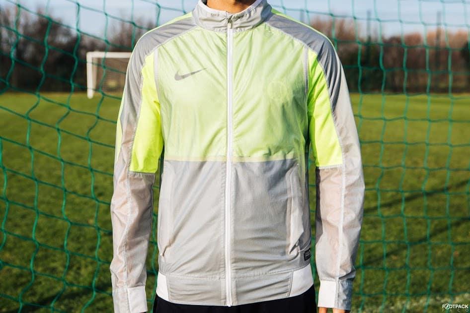 veste-football-Nike-Revolution-Jacket-2015-img1