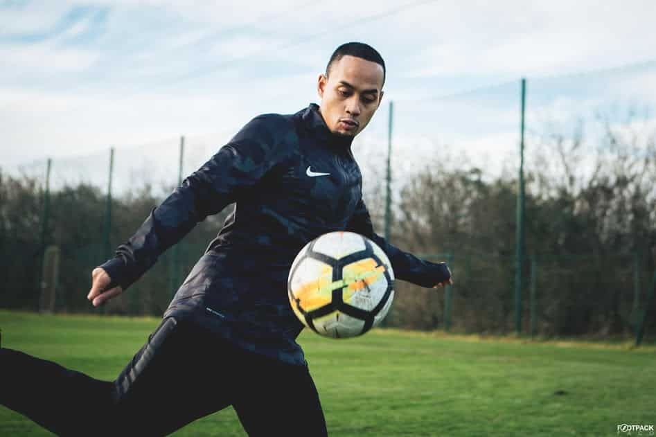 http://www.footpack.fr/wp-content/uploads/2018/02/veste-football-Nike-Shield-Squad-Drill-img13.jpg