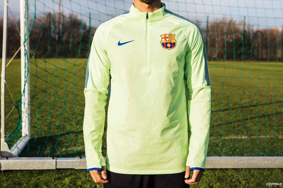 veste-football-Nike-Shield-Strike-Drill-FC-Barcelona-2017-img2