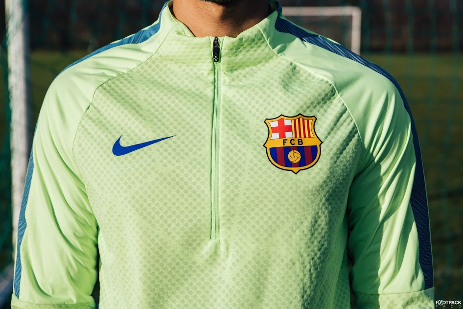 veste-football-Nike-Shield-Strike-Drill-FC-Barcelona-2017-img5
