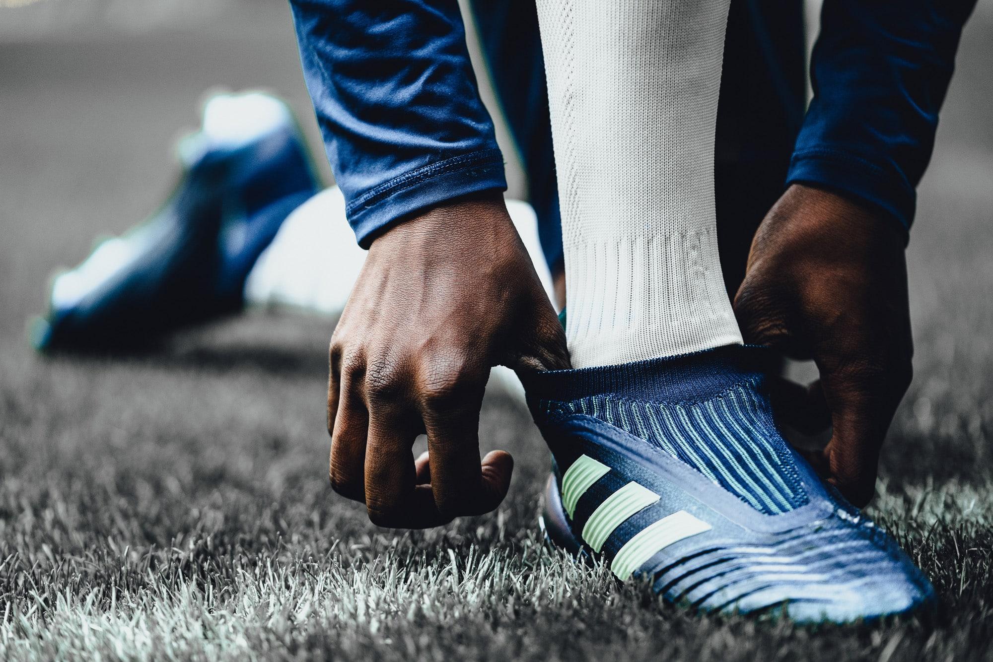 chaussure-football-adidas-predator-deadly-strike-mars-2018-2