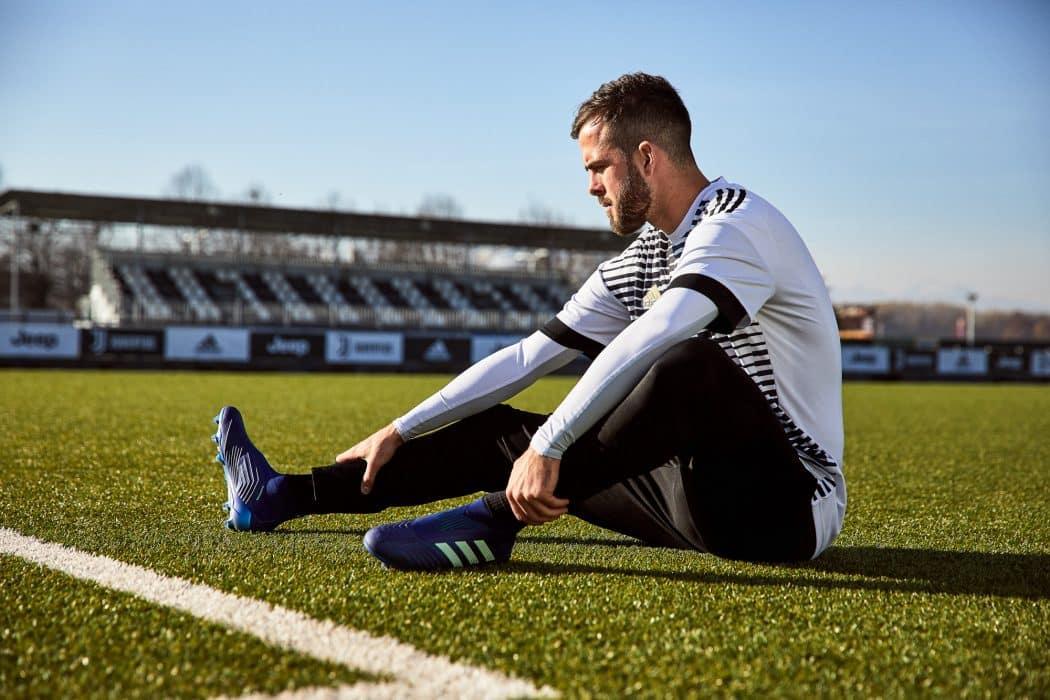 http://www.footpack.fr/wp-content/uploads/2018/03/chaussure-football-adidas-predator-deadly-strike-mars-2018-4-1050x700.jpg